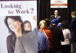 Βρετανία: Περικοπές στα επιδόματα ανεργίας των Ευρωπαίων